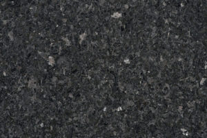 Angola Silver Angola | Gesteinsart: Magmatit | Untergruppe: Anorthosit | Herkunft: Angola | Alter: 500 Mill. Jahre