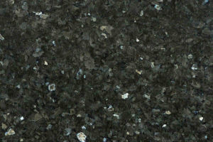 Emerald Pearl Norwegen | Gesteinsart: Syenit | Untergruppe: Larvikit | Herkunft: Norwegen | Alter: 260 Mill. Jahre